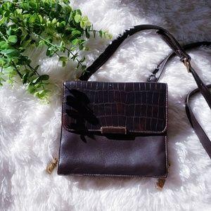 3/$20 Laura Gayle genuine leather crossbody bag